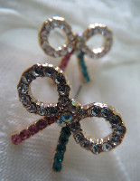 Anting diamond bow code:AT116