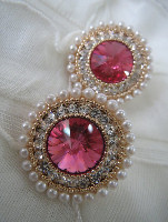 anting batu bulat