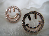 anting smile kode:AT142